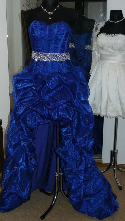 7296bfef5b5 plesové šaty » skladem plesové » černá. Cena s DPH 4500.00 Kč
